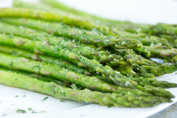 Sauteed Asparagus with Coconut Oil