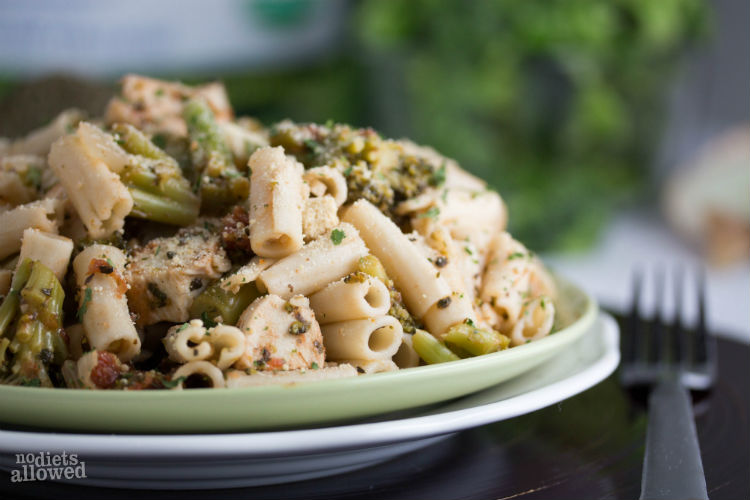 chicken broccoli and pasta - No Diets Allowed