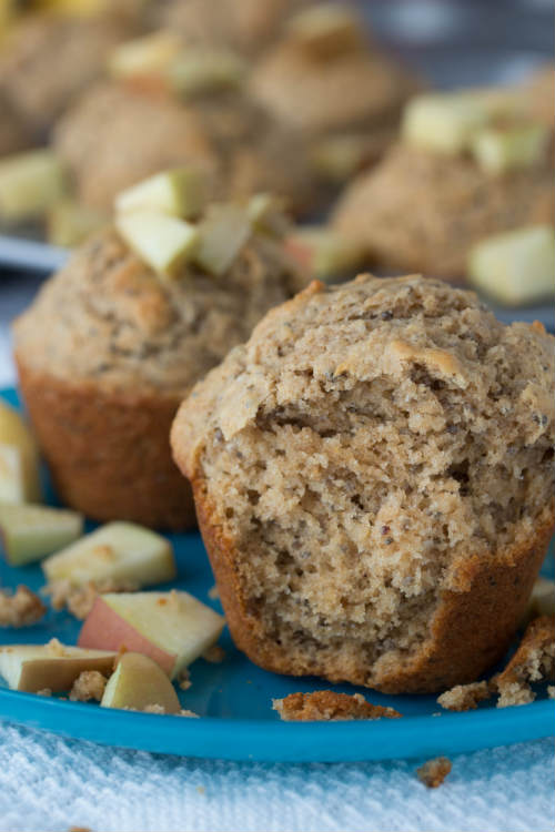whole wheat applesauce muffins - No Diets Allowed