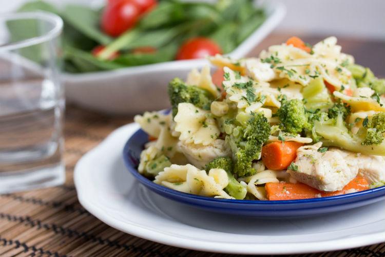 garlic chicken pasta - No Diets Allowed