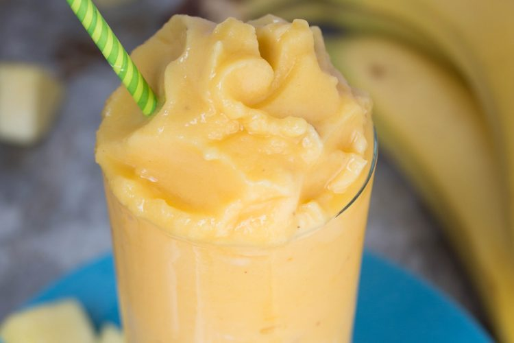 Jamba Juice Aloha Pineapple Smoothie - No Diets Allowed #Smootie #Foodie #Food