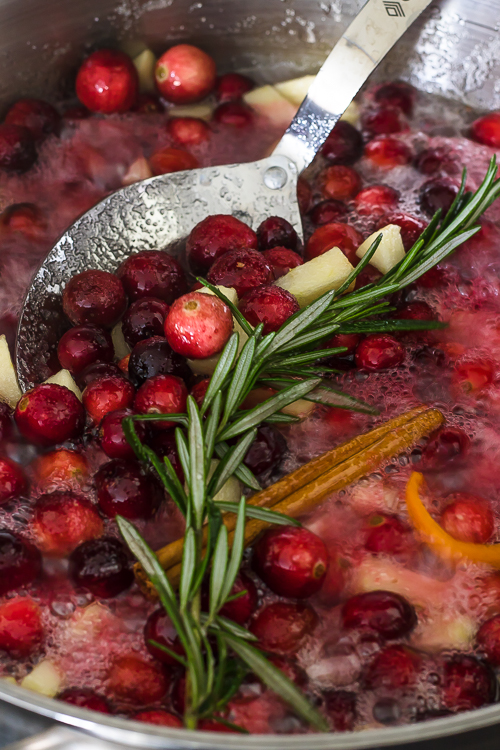 Best & Easy Homemade Cranberry Sauce Recipe - No Diets Allowed #Food #Foodie