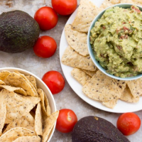 How To Make Easy Homemade Guacamole