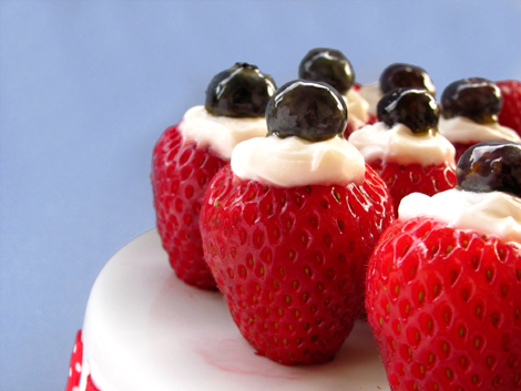 Creme-Filled-Strawberries-Bakers-Royale1