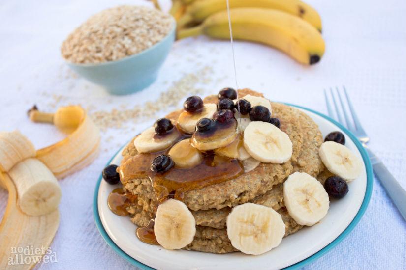 3 ingredient banana pancakes - No Diets Allowed