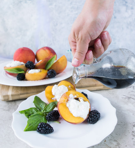 Grilled Peaches Balsamic - No Diets Allowed #Food #Foodie #Yummy #Peaches