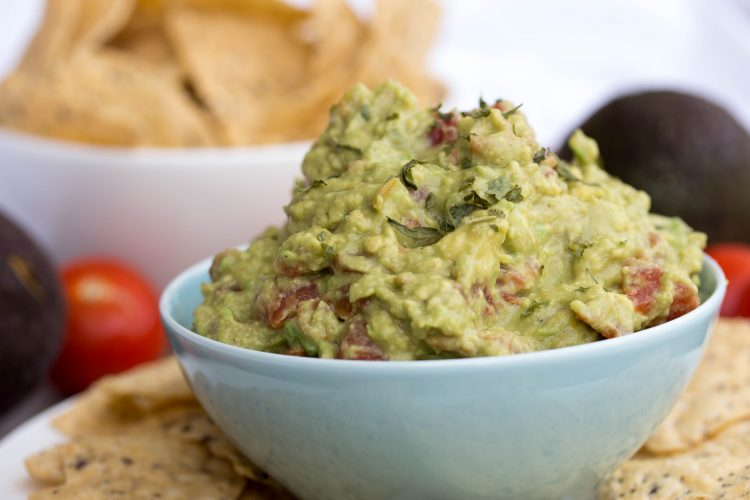How To Easily Make Fresh Homemade Guacamole - No Diets Allowed